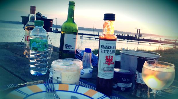 Die See kocht. Segeln auf der Ostsee. Kombüsenrezepte Seglerküche.