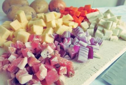 Gemüse und alle Zutaten bereithalten