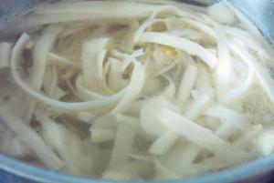 Spargelsuppe Rezept. Was kochen beim Segeln und Camping