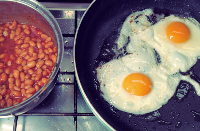 English Breakfast Baked Beans