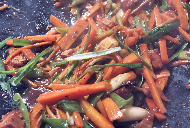 Was kochen beim Segeln oder in der Kombüse? Tofu.