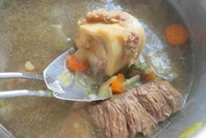 Rinderbrühe. Was kochen beim Segeln