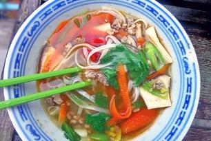 Bordrezepte Segeln asiatischer Eintopf mit Schweinehack und Pak Choy