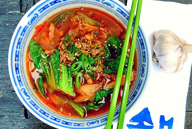 Bordrezepte Segeln Koreanischer Eintopf mit Schweinehack und Pak Choy