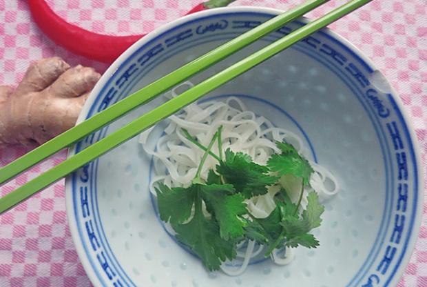 Thai Eintopf mit Schweinehack Bordrezept Kombüse und Segeln