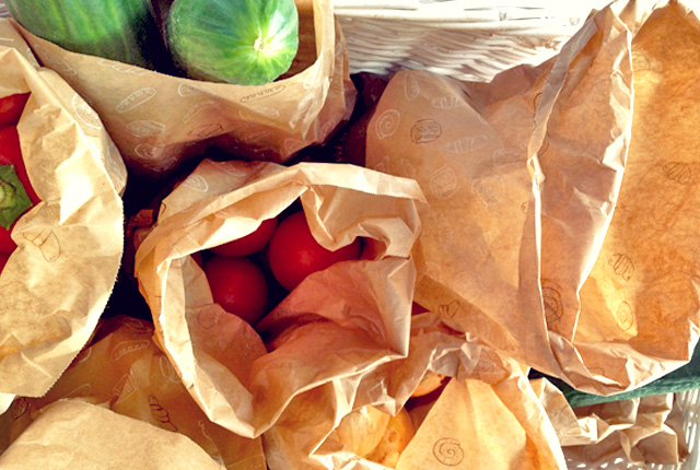 Plastikmüll vermeiden Obst in Papiertüten