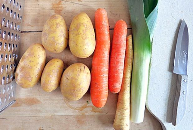 Kartoffelpuffer Rezept Bordküche mit Apfelmus, Lachs und Quark