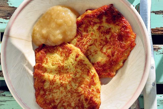 Kartoffelpuffer mit Apfelmus Rezept Bordküche mit Apfelmus