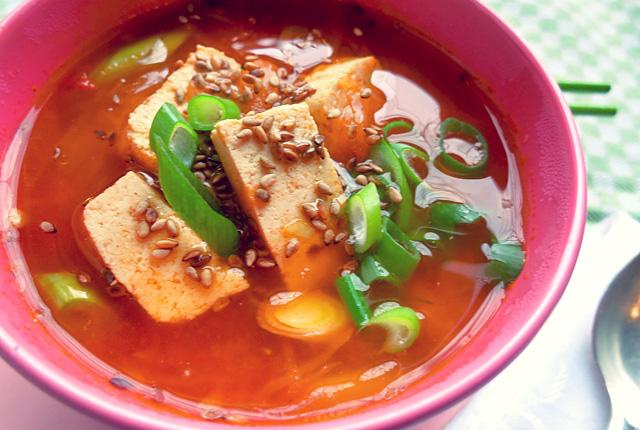 Kimchi Suppe vegan mit Tofu Segel Rezept