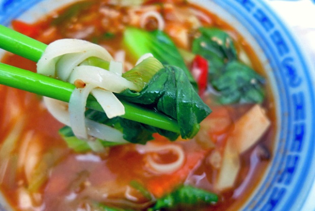 Asiatische Nudelsuppe einfaches Bordrezept für die Kombüse und Seglen