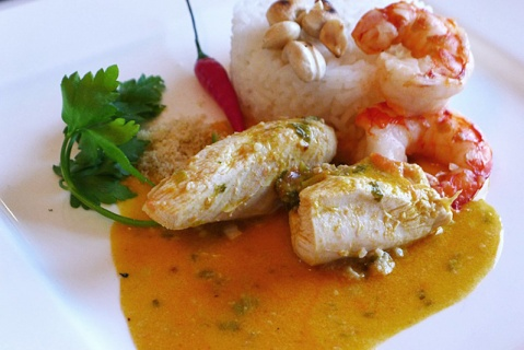 Segel Rezepte Kombüse Brasilianisches Xinxim mit Fisch und Huhn