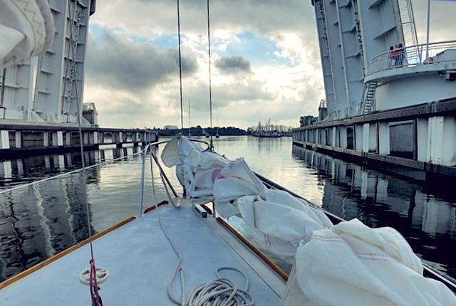 Bordrezept Segeln Spargelsuppe mit Schlei Aal Brücke