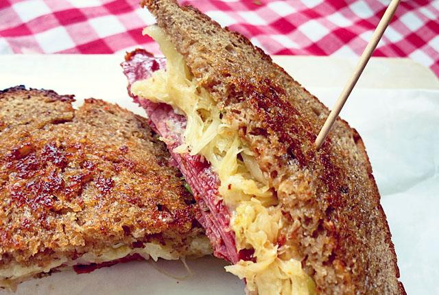 Reuben Sandwich klassisch Rezept mit Roggenbrot