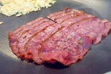 Patrami oder Corned Beef gehören ins Reuben Sandwich