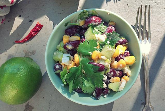Für Smutjes: Kidneybohnen Mais Feta Salat