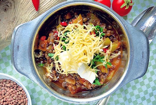 Rezept für Segelyachten: Linsenchili vegetarisch