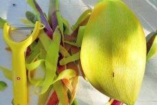 """Bordküche Mango schälen auf """"Die See Kocht"""""""