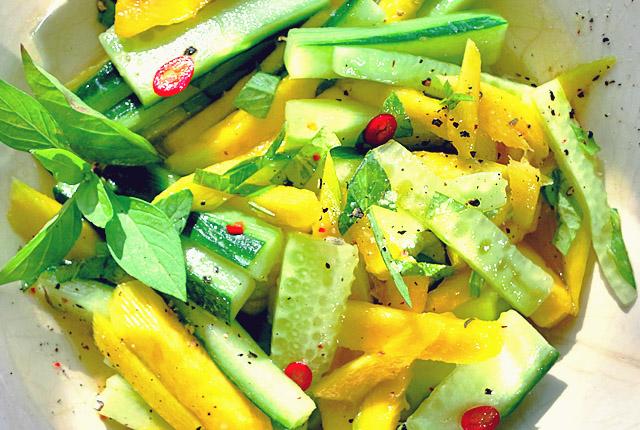 Thai Mango Gurkensalat Rezepte für Segeltörns