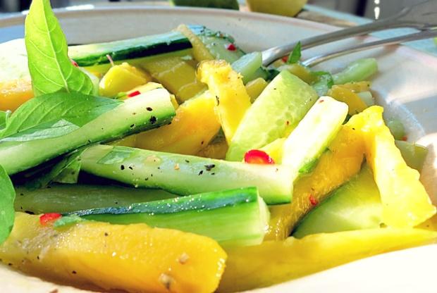 Mango Gurken Salat für die Kombüse