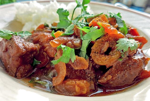 Beef Tajine Tagine mit Aprikosen Segelrezept