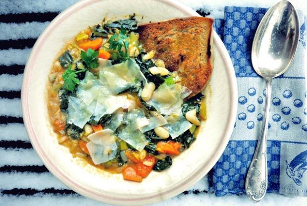 Bordküche: Bohnenentopf Ribollita im Schnee