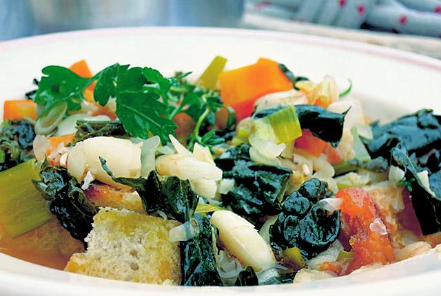 Ribollita toskanische Bohnensuppe, einfaches Bordrezept
