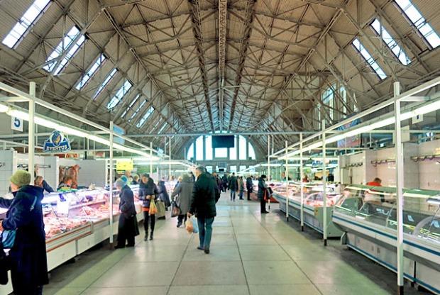 140 m lang, die Fleischhalle von Riga