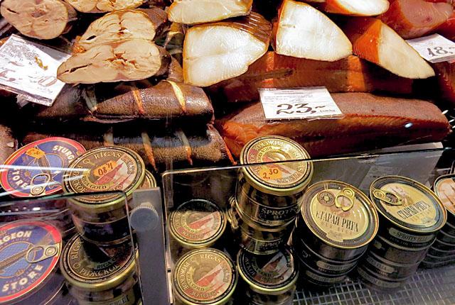Zentralmarkt in Riga Fischpavillion kaviar
