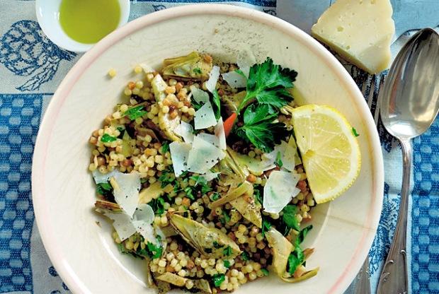 Sardische Fregula vegetarisch mit Artischocken