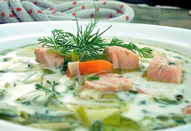 Lohikeitto Lachs-Sahne-Suppe Bordküche