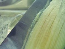 Grüne Papaya richtig schneiden