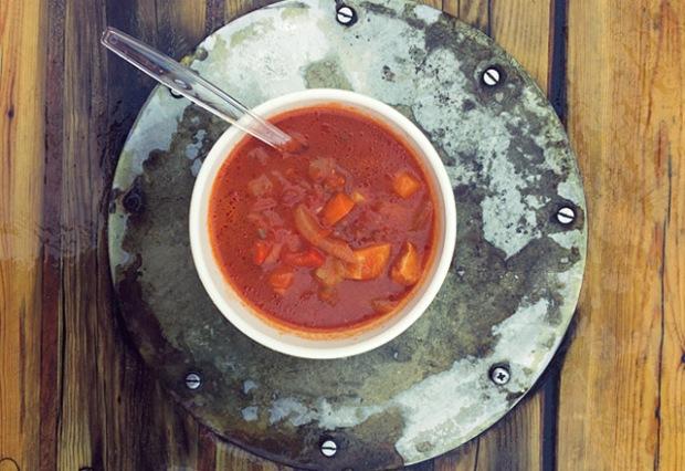 Stockfischsuppe mit Chorizo auf den Lofoten