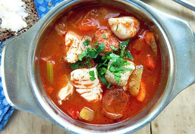 Skrei Fischsuppe mit Chorizo von den Lofoten