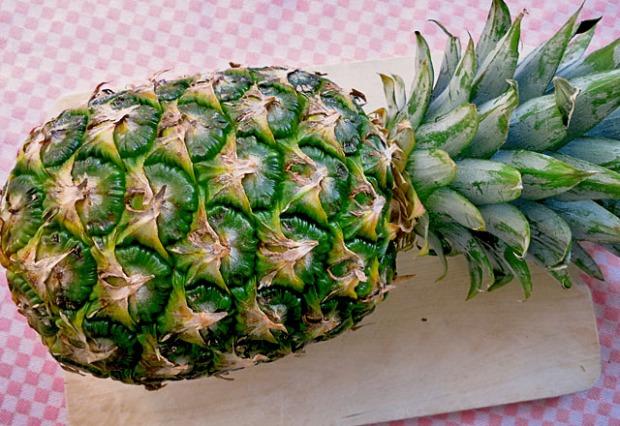 Frische Ananas erkennen. Segel Proviant
