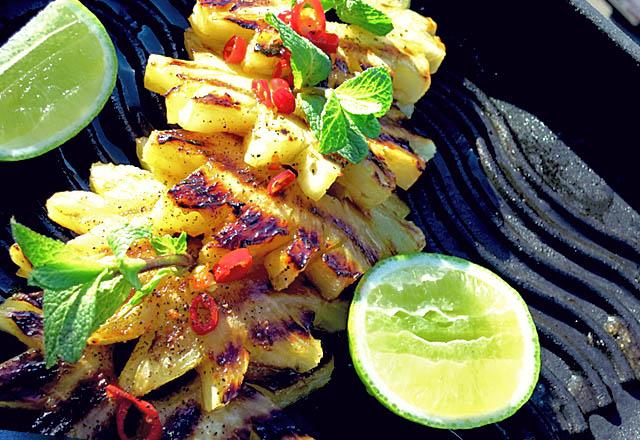 Ananas Diät mit Grill Ananas