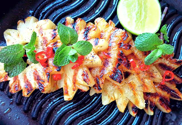 Statt Brot: Grill Ananas mit Limette, Chili und Chili