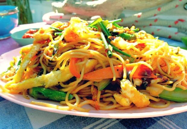 Kochen an Bord: Bami Goreng vegetarisch