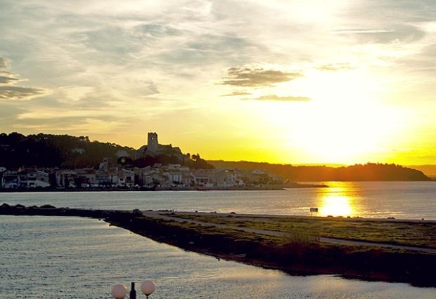 Languedoc Hafen Gruissan Abendstimmung