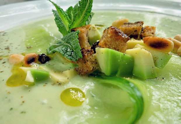 Gurken Die See kocht: Gurken Avocado Suppe Effilee Languedoc Event