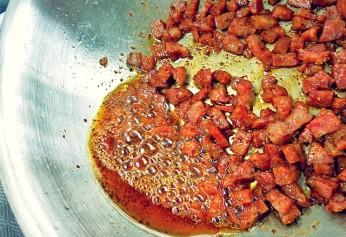 fettige Chorizo ausbraten