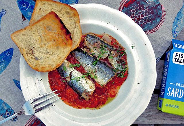 Pilchards auf Tomate von Fish Tales