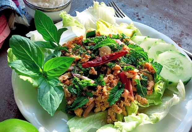 Larb Gai Salat Original Rezept