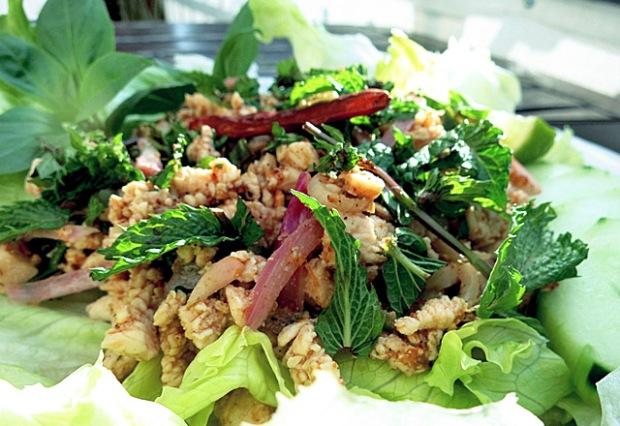 Larb Gai Thailand Laos Rezept