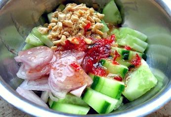 Schneller Dipp fuer Thai Fischfrikadellen