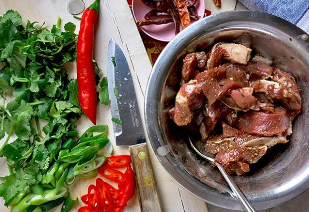 Cumin Lamm mit Koriander und Chili