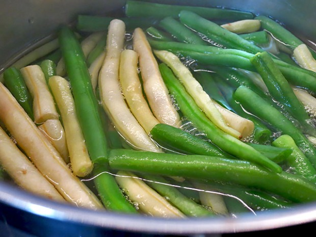 Bohnen muessen gekocht werden