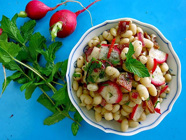 Radieschen Bohnen Minz Salat