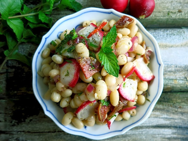 Weisse Trockenbohnen Salat mit Minze