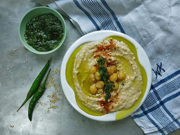 Hummus natur mit Zhuk Paste selbst gemacht