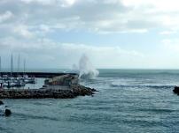 Cascais Marina Wellenbrecher 5 bft